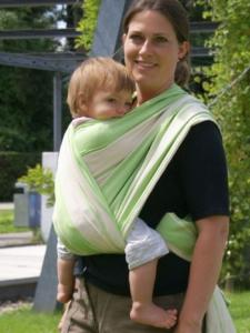 Tragetuch Baby binden Bauch